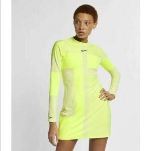Nike Sportswear Tech Knit Neon Slim Fit Dress